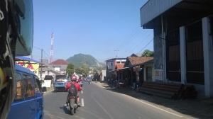 Jalanan dari Dramaga menuju GSE. Ini daerah Cinangneng